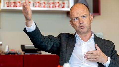 NHO-sjef Ole Erik Almlid frykter hva som kan dukke opp i rødgrønne midnattsforhandlinger om skatt. Vil ha grundige utredninger før endringer av skattesystemet.