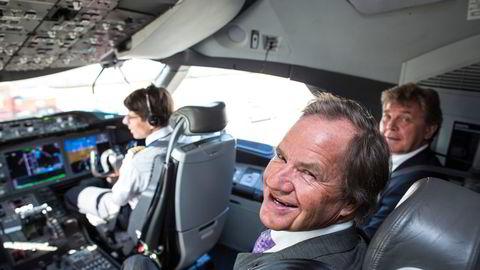 Bjørn Kjos (til venstre) og forretningspartner Bjørn H. Kise er blant grunnleggerne av Norse Atlantic Airways. I 2012 fikk de en sniktitt på langdistanseflyet Boeing 787 Dreamliner, som Norwegian fikk levert året etter. Nå kan de selv ta over flyene.