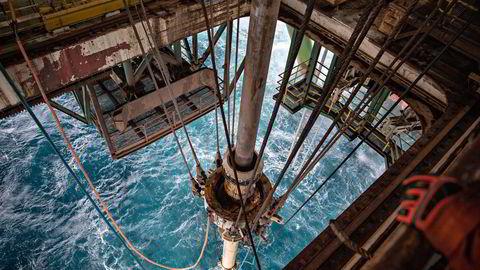 Rystad Energy mener forsyningsproblemene i USA etter orkanen Oda vil fortsette å legge press på oljeprisen.
