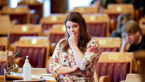 Stortingsrepresentant Cecilie Myrseth og resten av Ap lover ny jernbane i nord.