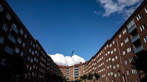 Eiendomsmeglingsutvalget som har gjennomgått eiendomsmeglingsloven, overleverte fredag sin utredning til finansminister Jan Tore Sanner.