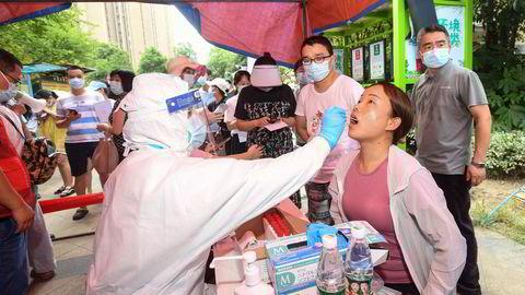 Det er igangsatt massetesting av de 11 millioner innbyggerne i den kinesiske millionbyen Wuhan, hvor de første tilfellene av koronaviruset ble identifisert.