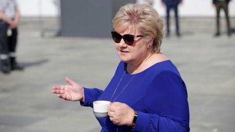 – Jeg syns at det er for dårlige meningsmålinger for oss og borgerlig side, sier statsminister Erna Solberg.