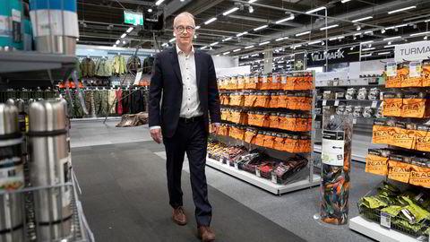 XXL tapetserte deler av butikken med turmatprodukter da turbølgen tok av. Her er XXL-sjef Pål Wibe i butikken på Alnabru.