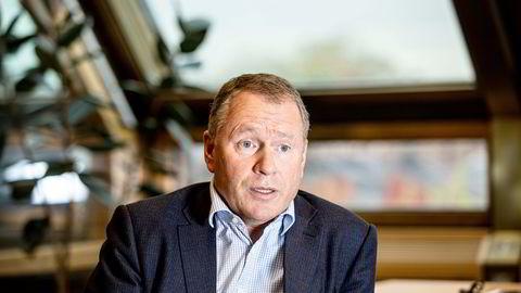 NBIM-sjef Nicolai Tangen (54) har betalt dyrt for å oppfylle politikernes ønske om investeringer i fornybar energi.
