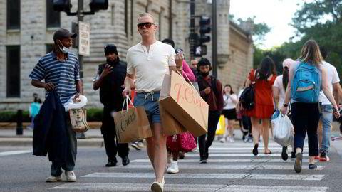 Amerikanere er tilbake i shoppingmodus. Her fra downtown Chicago.