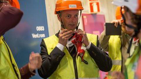Terje Søviknes var olje- og energiminister fra 2016 til 2018. Han er ikke veldig begeistret for at Equinor bytter eier.