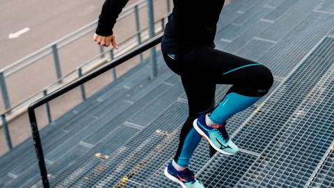 Energiinntaket i Europas befolkning har økt med 500 kcal fra 1960 til 2011. For å kompensere for det kan man løpe hardt i 30 minutter hver dag, skriver artikkelforfatteren.