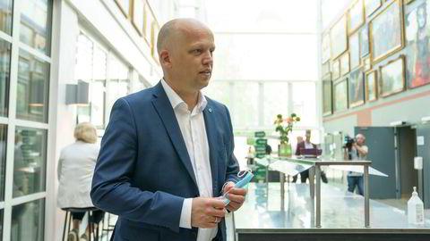 Trygve Slagsvold Vedum ankommer Senterpartiets landsmøte 2021 på Lillehammer. Foto: Torstein Bøe / NTB
