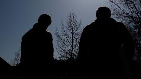 Etter først å ha blitt frifunnet, ble de to unge mennene dømt til betinget fengsel i lagmannsretten. De har fortalt at de ble utsatt for alvorlige trusler slik at de stilte sine kontoer til disposisjon for å sluse utbytte fra BankID-svindel videre.