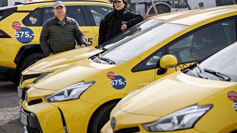 Osman Ghader (til venstre) og Muhamed Lajci benyttet anledningen da taximarkedet ble sluppet fri for nye aktører som Uber og Bolt. Nå skal de øke til 500 biler.