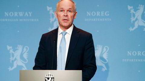 Finansminister Jan Tore Sanner (H) har ved flere anledninger invitert økonomer til å komme med innspill til koronatiltak. Når skal politikerne begynne å høre på dem?