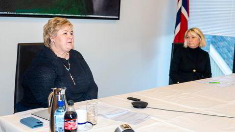 Erna Solberg har vært partileder siden 2004. Nå har Høyre begynt å snakke om hvem som en gang skal ta over. Frem til nå har ettervekst stort sett vært noe justisminister Monica Mæland har fleipet med på koronapressekonferanser.