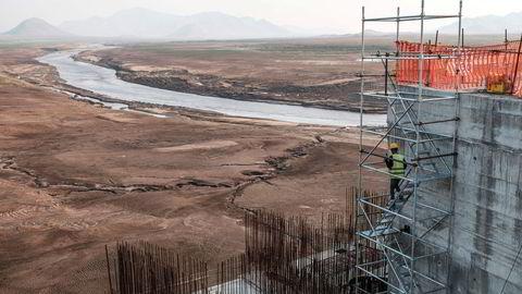 Statsminister Ahmed Abyi vil gjennom Grand Ethiopian Renaissance Dam skape energi og strøm til sine over 110 millioner innbyggere, skriver artikkelforfatteren.