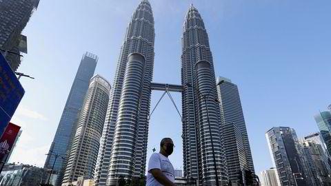 Det malaysiske statlige oljeselskapet Petronas' hovedkvarter i Kuala Lumpur. En Aker Solutions-direktør er siktet for å ha skaffet lisenser fra Petronas med uriktige dokumenter.