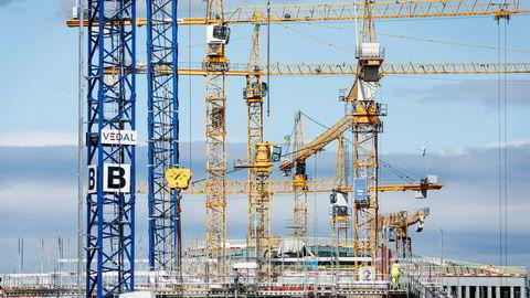 Byggebransjen har en større andel innleid arbeidskraft enn andre bransjer. Det bør ikke forbys, men det bør føres tilsyn.