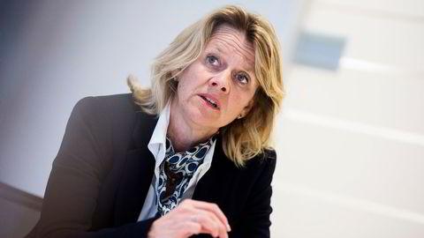 BI-professor Hilde Bjørnland mener regjeringen mangler en plan for kutt i oljepengebruken.