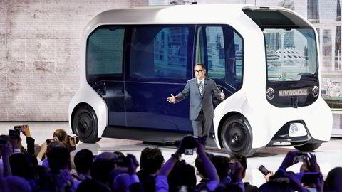 Det var mye prestisje knyttet til Toyotas selvkjørende buss da den ble presentert av selskapets toppsjef Akio Toyoda på motormessen i Tokyo for to år siden. Nå er fremtiden til teknologien usikker.