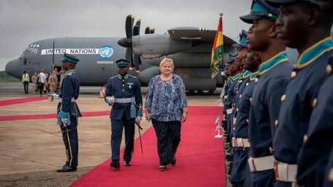 Statsminister Erna Solberg ankom Ghanas hovedstad Accra med det norske FN-flyet fra Mali.