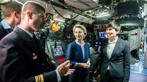 Beslutningen om å gå sammen om kjøp av nye ubåter bygger på tette bånd mellom de to lands sjøforsvar, skriver artikkelforfatteren. Avtalen ble inngått da både Ursula von der Leyen og Ine Eriksen Søreide var forsvarsministre.