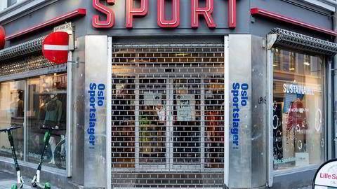 Oslo Sportslager må stenge sin butikk etter at Oslo Kommune har innført strengere koronatiltak. – Vi håper ikke dette blir langvarig, sier daglig leder Dag Øivind Rolfsen.