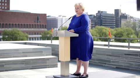 Statsminister Erna Solberg mener jobb nummer én er å skape flere jobber.