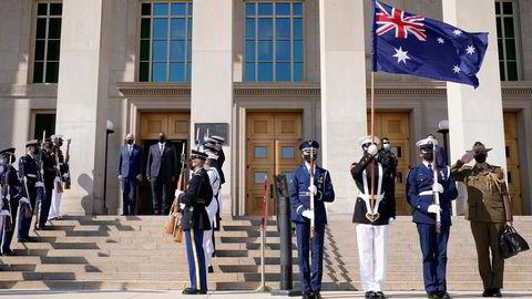 USAs forsvarsminister Lloyd Austin har vært vertskap til sin australske kollega Peter Dutton denne uken. Sammen med Storbritannia har de tre landene etablert en ny forsvarsallianse uten å konsultere eller informere allierte.