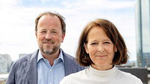 Kommentator Eva Grinde og politisk redaktør Frithjof Jacobsen lager DN-podcasten Den Politiske Situasjonen hver uke