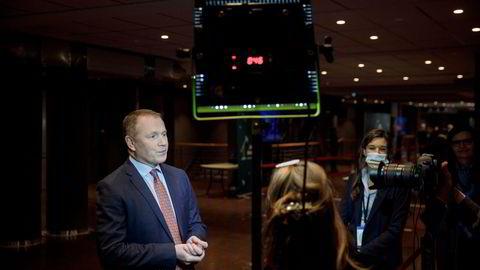 Norges Bank er ennå ikke ferdig med å diskutere avtalen til oljefondssjef Nicolai Tangen – seks måneder etter at han tiltrådte.