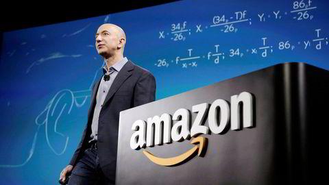 Jeff Bezos kunngjorde ved fremleggelsen av fjerdekvartals-rapporten at han går av som administrerende direktør i Amazon, som han selv grunnla. Andy Jassy skal ta over for Bezos i løpet av tredje kvartal i år.