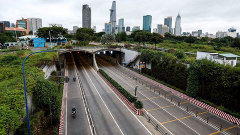 Nye smitteutbrudd i Asia fører til omfattende nedstengninger, som her fra Ho Chi Minh City i Vietnam.