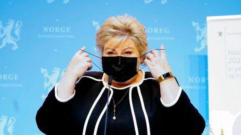 Fersk podkast: Statsminister Erna Solberg la onsdag frem en gjenåpningsplan som ikke er en gjenåpningsplan. Foto: Terje Pedersen / NTB ---