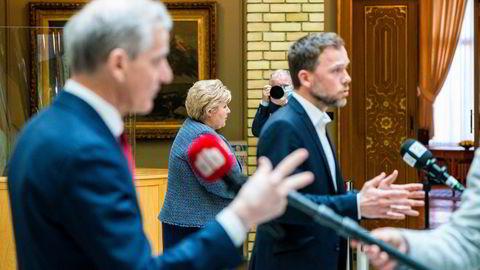 Statsminister Erna Solberg (H), SV-leder Audun Lysbakken og Arbeiderpartileder Jonas Gahr Støre. Bør toppledere flagge politisk ståsted?