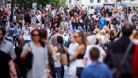 Etterspørselen skal ta seg kraftig opp fra sommeren av, ifølge en fersk rapport fra NHO. Her fra Karl Johan, juli 2017.