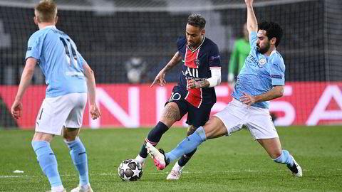 Sjeik Mansour i De forente arabiske emirater har investert tungt i Manchester City som onsdag tok første stikk på veien mot finale i årets mesterliga, da İlkay Gündoğan møtte Neymar og PSG, eid av Qatar Sports Investments.