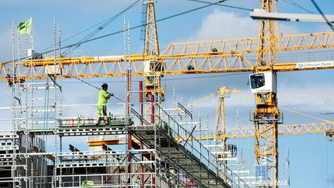 Arbeidslivet vil snart oversvømmes av billig arbeidskraft, skriver artikkelforfatteren.