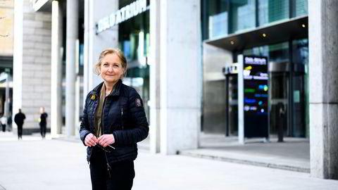 EY permitterte 28 ansatte i løpet av 2020, samtidig som selskapet endte året med rekordomsetning. Administrerende direktør Christin Bøsterud opplyser nå at de vil betale tilbake støtten de har fått fra det offentlige gjennom permitteringsordningen.