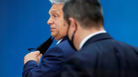 Statsminister Viktor Orbán har møtt kraftig kritikk for Ungarns vedtatte lov som gjør det ulovlig for skolene å undervise om homofili og transkjønnethet.