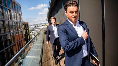 Ferd-sjef Morten Borge (til høyre) vil gi Aibel-sjef Mads Andersen mer finansielt spillerom til å øke farten i oljeserviceselskapets grønne omstilling.