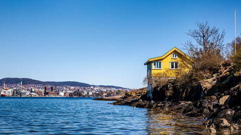 Den 37 kvadratmeter store Nakholmen-hytta en kort fergetur fra Oslo sentrum legges ut for salg med en prisantydning på åtte millioner kroner.