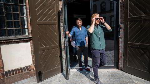 Fra en herskapelig villa på Grünerløkka har Remarkable-gründer Magnus Haug Wanberg (til høyre) bygget en internasjonal virksomhet i konkurranse med Apple og Samsung. Med seg på laget har han blant annet fått finansdirektør Jeremy Gerst som forlot Silicon Valley og begynte i et norsk gründerselskap.