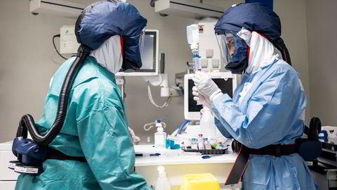 Norske sykehus har hatt ekstrem arbeidsbelastning siste året. Her fra intensivavdelingen på Oslo universitetssykehus Rikshospitalet.