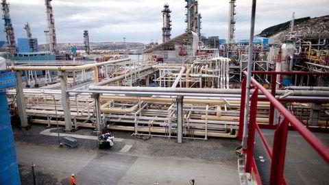 EU importerer store mengder gass fra Norge og Russland, men tar samtidig til orde for boikott av olje og gass fra arktiske områder. Bildet viser Gasscos anlegg på Kårstø som håndterer levering av gass til Europa.