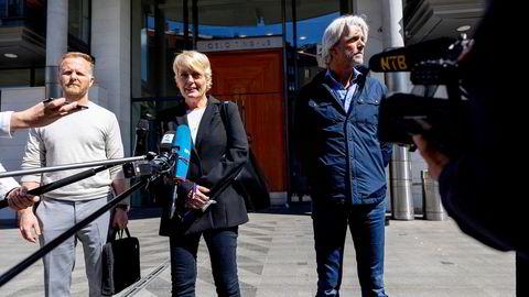 – Vi har inngått en avtale med Line Andersen, og er fornøyd med å ha kommet til en avtale, sa direktør Vibeke Fürst Haugen. Til høyre NRKs sportsredaktør Egil Sundvor.