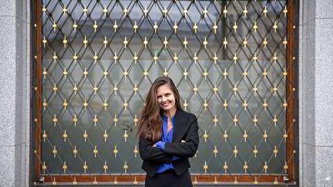 Oljeanalytiker Nadia Martin Wiggen i Pareto Securities tror prisen på nordsjøoljen brent kan stige til over 70 dollar i andre kvartal 2021. Prisen på brent brukes som referansepunkt for oljehandel verden over.