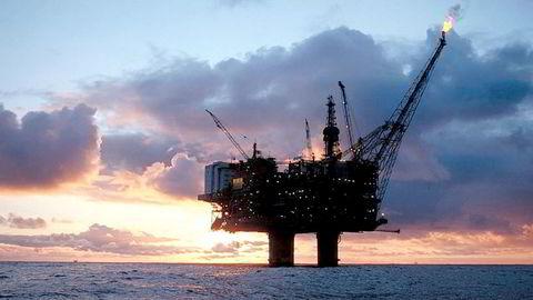 Elektrifisering kan i verste fall sette industriarbeidsplasser i fare, skriver artikkelforfatterne.
