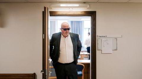 Tore Ivar Slettemoen har vært i flere rettssaker etter sitt turbulente partnerskap med vindkraftgründer Lars Helge Helvig. Nå saksøkes han av en annen tidligere partner for 70 millioner kroner.