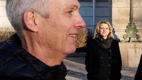 Økonomiprofessorene Hilde C. Bjørnland og Steinar Holden mener det er feil medisin å utvide permitteringsordningen til 1. oktober.