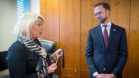 Monica Mæland var kommunal- og moderniseringsminister, før Nikolai Astrup tok over i januar 2020. Statsråden har ansvaret for karantenesystemet.