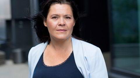 Oslo-prisene viste en nedgang på 0,6 prosent i mai. Henger sammen med utflyttingstrenden, mener Elisabeth Holvik er sjeføkonom i Sparebank 1.